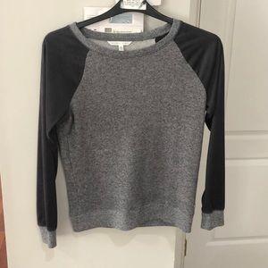 Victoria's Secret Top Suede Sleeves soft XS grey
